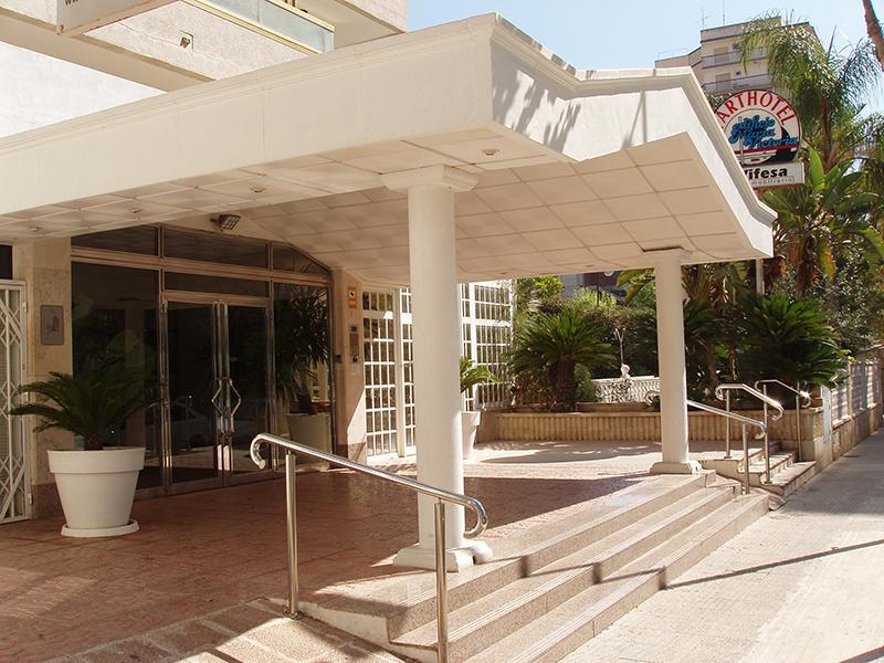 entrada apartamentos maria victoria benidorm