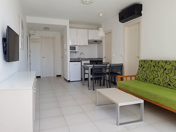 2 bedroom apartment for 4 people